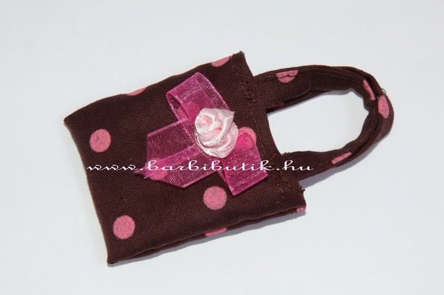 Barna pink pöttyös Barbie táska. / Polka dot Barbie bag.