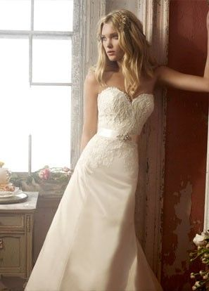 Wedding gown - silk and lace, a-line, sweetheart, satin ribbon at natural waist, sweep train (Alvina Valenta AV9904) apeters_5