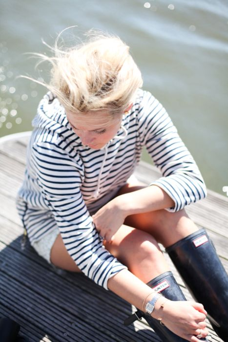 love me some nautical stripes and hunter boots