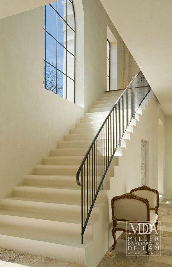 Houston, TX Contractor: Southampton Group Interior Designer: Pierce Designs & Associates Landscape: Glauser-McNair, Inc. Photography: Mark Scheyer, Peter Vitale, & Miller Dahlstrand Architects