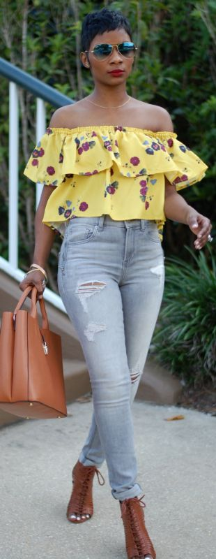 Flowers. Denim. Wedges. // Fashion Look by Young At Style