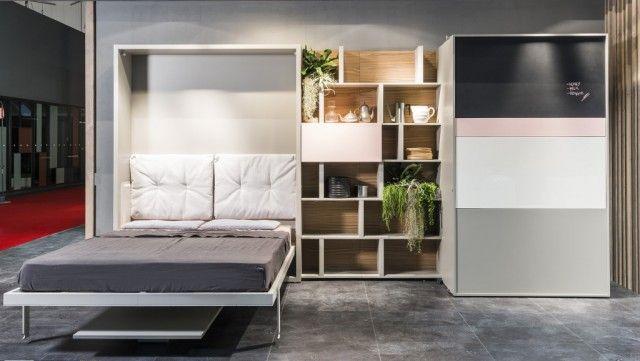 La firme italienne Clei, réputée pour ses agencements d'espaces, a conçu ce lieu de vie modulable, avec un lit depliable et un coin cuisine transformable entièrement équipé et prêt à l'utilisation. La pièce se transforme et change ainsi de fonctionnalité grâce à de simples gestes. - vu sur Fubiz