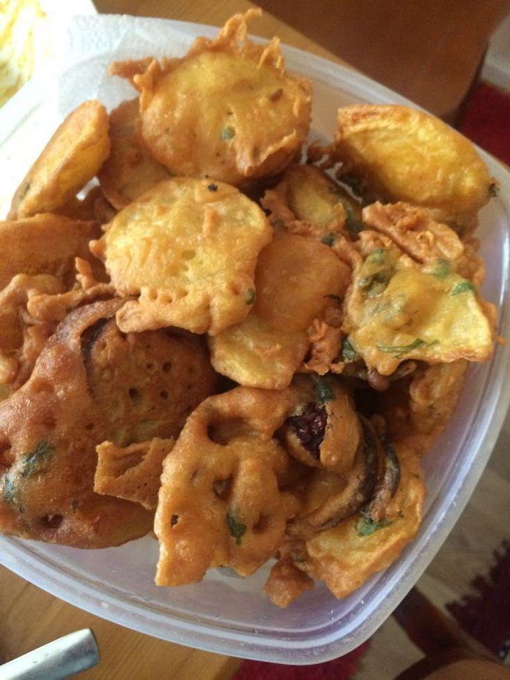Potato onion pakoras for snacks