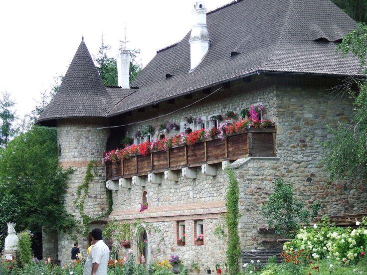 Manastirea Moldovita 4 by alaurentiu