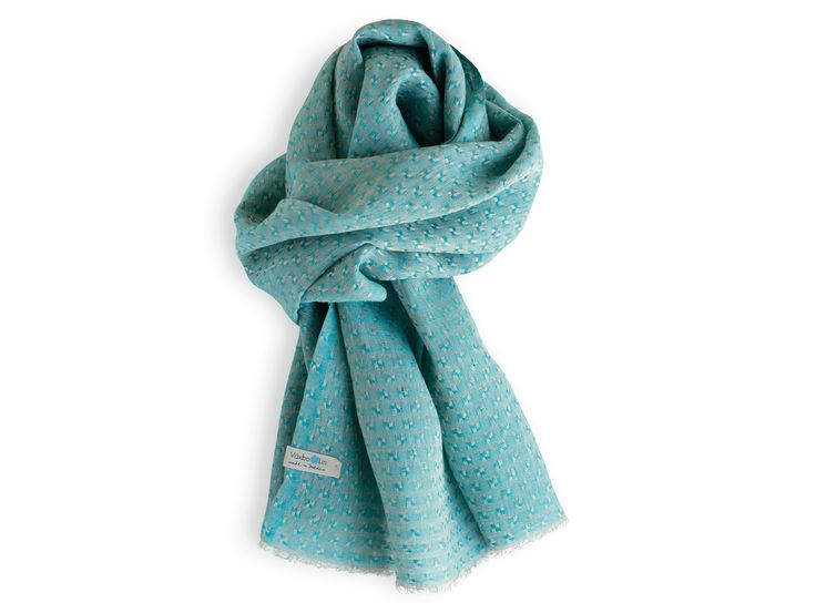 Turqouise shawl made of pure linen. Good enviromental choice. Unisex. Made in Sweden.