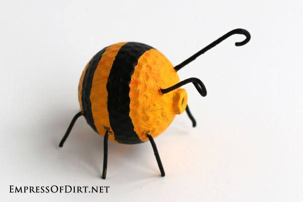 garden buggies recycled golf ball craft, crafts, repurposing upcycling, Bzzzzzzzzz