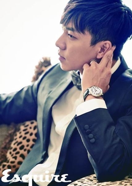"Lee Seung Gi Transforms into an International Lady Killer in Upcoming ""Esquire Korea"" Photo Shoot"