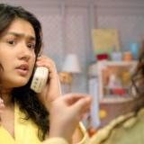 Après avoir créé des vagues l'an dernier avec son film Student of The Year, Karan Johar est de retour sous la casquette de producteur avec le film Gippi.    Gippi est l'histoire d'un jeune fille de 14 ans en surpoids et jouée par Riya Vij. Elle déteste l'idée de suivre un régime.    C'est l'un des projets les moins coûteux de la production Dharma et est réalisé par Sonam Nair, qui avait assisté Ayan Mukherji dans Wake up Sid.