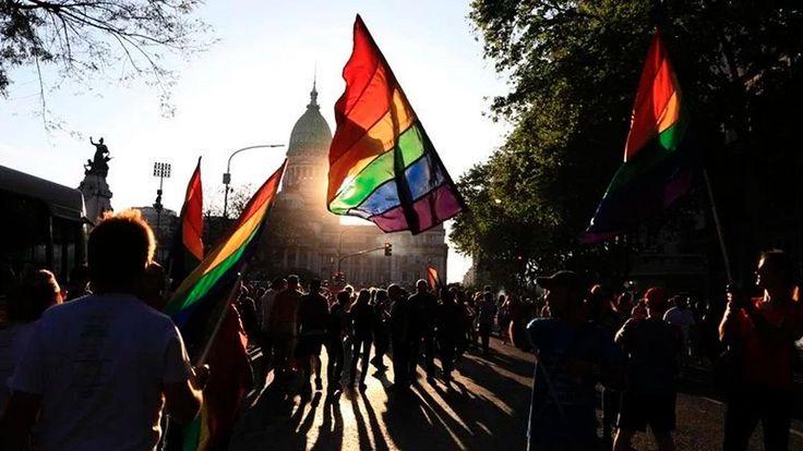 En Salta cuestionaron el protocolo de actuación para la detención de la comunidad LGBT: La medida se aplicará entre las fuerzas federales.…