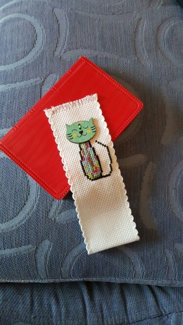 Using a cat button to make a bookmark.