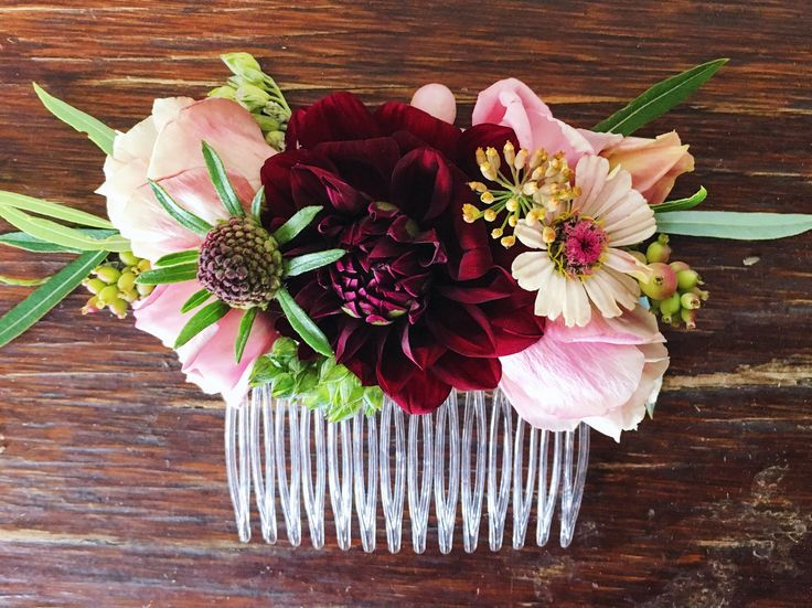Seasonal fresh flower hair comb with burgundy dahlias, blush lisianthus, and zinnias. Grown and designed by Love 'n Fresh Flowers.