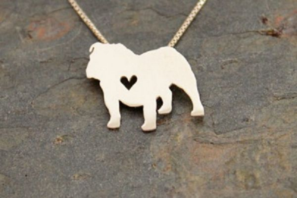 English bulldogs are a loyal, playful breed made distinctive by their perfectly wrinkled faces. If you love this breed, this English bulldog necklace is a great way to show it. This silver-plated pend