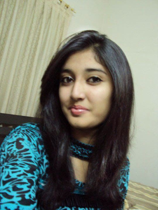 Pakistani Simple Desi College Girls On Home Hd Pictures -8499