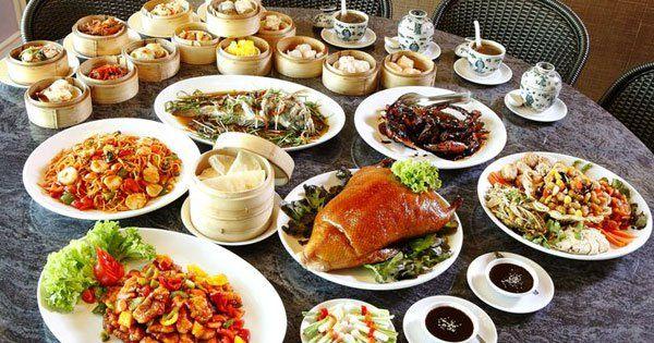 تفسير حلم الأكل في المنام لإبن سيرين Tea Party Food Cooking Chinese Food Food Pairings