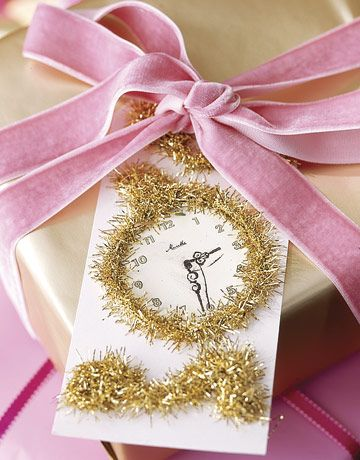 Festive Clock Tag From Country Living Wrapping GiftsWrapping IdeasGold
