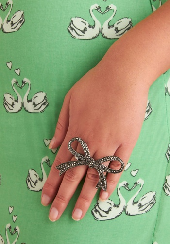 .: Bows Accessories, Couture Rings, Big Rings, Fashion Clothing Jewelry, Bored Accessories, Clothing Accessories Sho, Bows Rings, Big Bows, Ribbons Rings