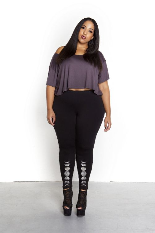 Domino Dollhouse - Plus Size Clothing: Lunar leggings