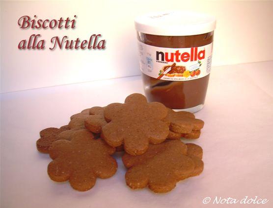 Biscotti alla nutella, ricetta facile e golosa