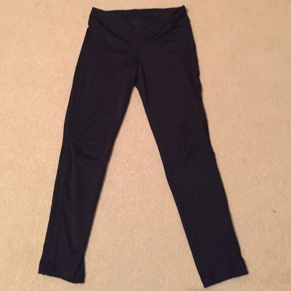 Old Navy kids active long leggings size L Polyester, fairly used, size kids large Old Navy Pants Leggings