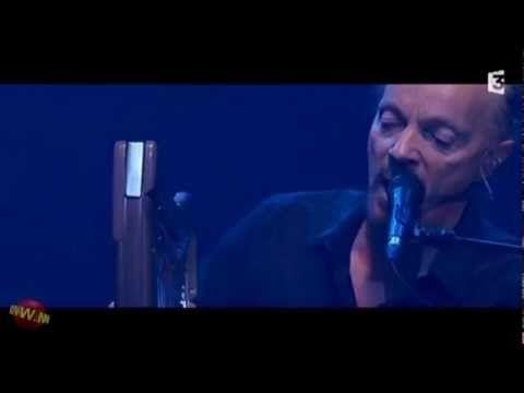 Alan Stivell et Nolwenn Leroy chantent le Bro Gozh à l'Olympia (2012)