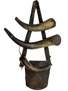 Contemporary Makers: Antique Powder Horns and Hunting Pouch from Cowans Auction