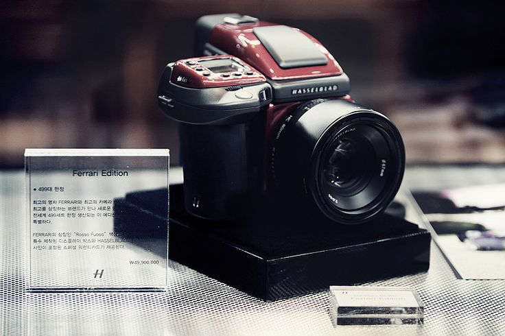 A winning combination, the Hasselblad H4D Ferrari Limited Edition camera @WorldLuxuryExpo Seoul