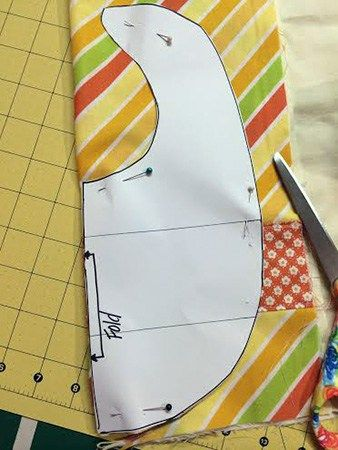 baby bib tutorial and pattern