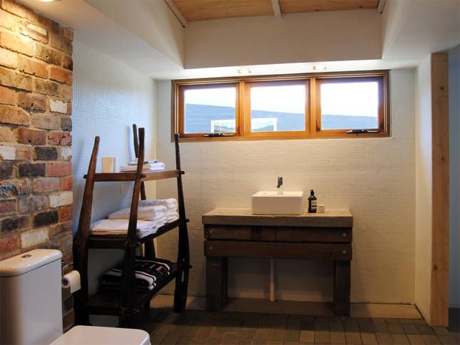 Bedroom 3 en-suite bathroom | Malibu on the Beach - oceanfront retreat in Four Mile Creek, Tasmania