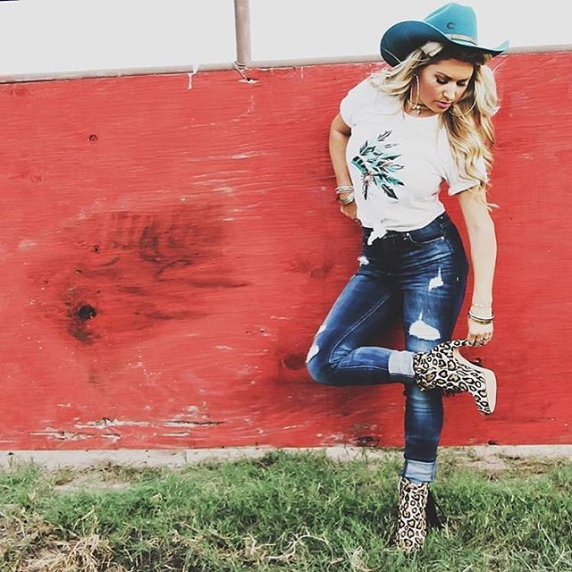 Anyone else chomping at the bit to get this hat? Ali Dee sure looks gorgeous in #DimeStoreCowgirl, a style WE PROMISE, is coming SOON!