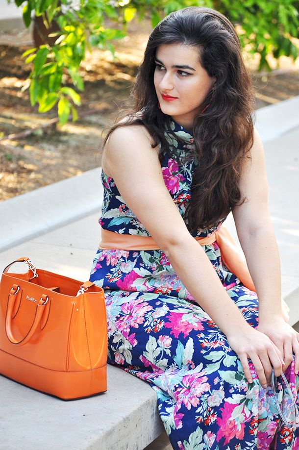 Floral jumpsuit on a floral garden #somethingfashion #maxmara #orange #floral #valencia