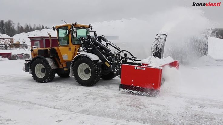 Lundberg 8240 multifunction #machine #snowplowing #winter #tool_carrier #multipurpose_machine