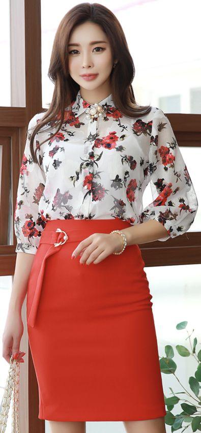 StyleOnme_Pearl Gold Buckle Strap H-Line Skirt  #red #pencilskirt #elegant #chic #feminine #koreanfashion #kstyle #kfashion #springtrend #dailylook