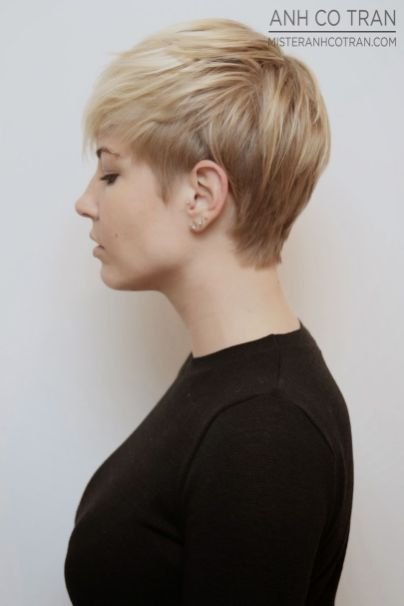 Cool short pixie blonde hairstyle ideas 56