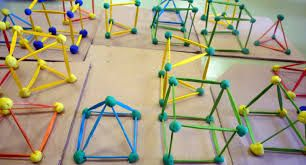 Resultado de imagen para cuerpos geometricos con plastilina y palillos