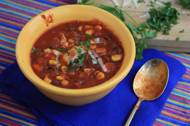 Black bean chili recipe #Vegetarian Satisfying and versatile since you ...