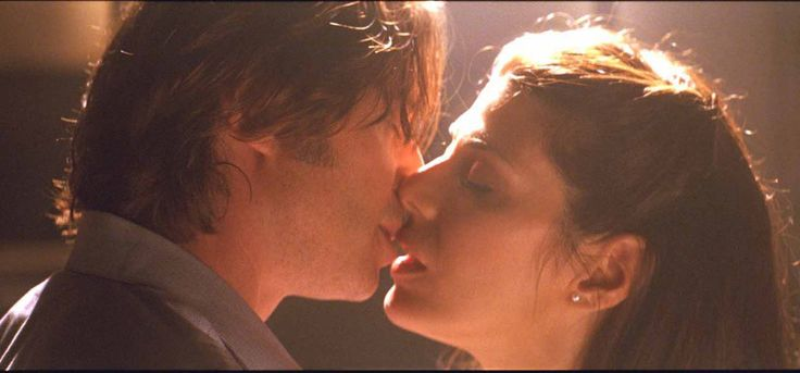 Marisa Tomei love and kissing compilation @ www.wikilove.com