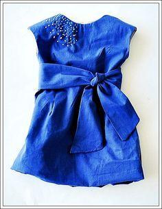 #дети_ARM<br>---------------------------------------------------------<br><br>Очень стильное платье своими руками для маленькой девочки. <br><br>В наше время очень много детских магазинов с одеждой, однако цены там сегодня просто шокирующие. Я предлагаю сшить классное платье для ребенка своими ру..