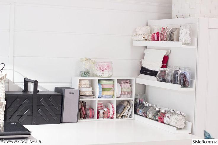 skrivbord,arbetsrum,arbetshörna,hemmakontor,kontor