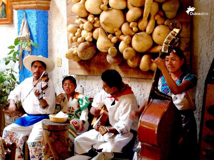 Muy alegres han de ser las familias de músicos. #DulceAlma #DF #Polanco