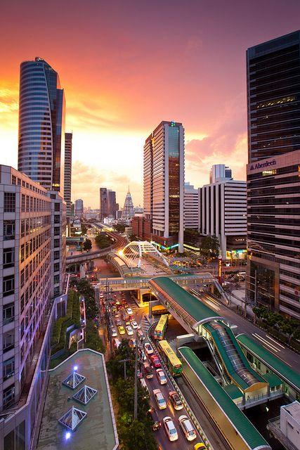 Chongnontri BTS Station, Bangkok | Thailand (by Naxerdam)
