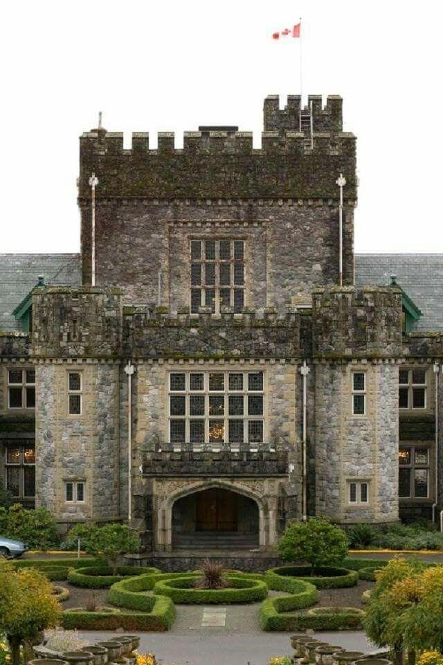 Hatley Castle, Canada