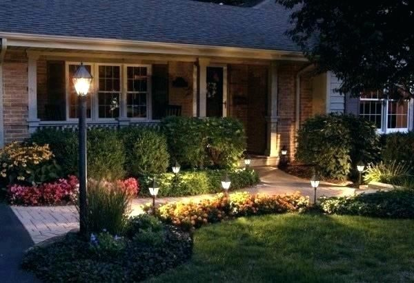 Front Yard And Walkway With Solar Lights Front Yard Garden