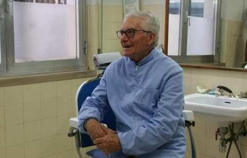 """Molise: Il #barbiere della #stazione dai capelli alla Re Umberto ai tagli alla Ronaldo: """"Ma io mi rifiuto... (link: http://ift.tt/2n6hifh )"""