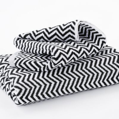 Hotel Luxury Collection - Black and White 'Herringbone' Bath Mats