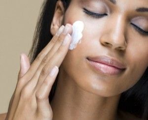 Donkere huid bleken met Skinlight crème