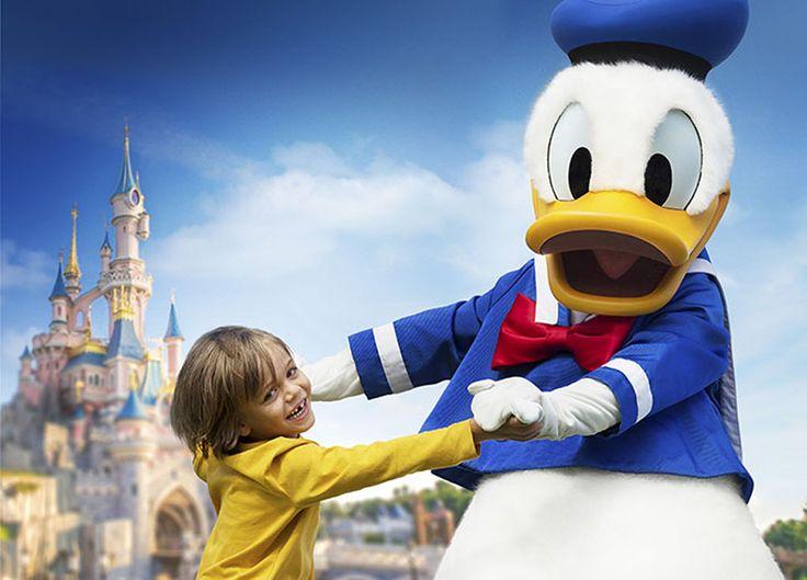 Disneyland Paris Deal Summer SchoolHolidays: Disney's hotel Cheyenne, 2-day park tickets & CoachTravel.  #Disneyland #Paris #Summer #SchoolHolidays #Disney #Holidays #CoachTravel #SummerVacation