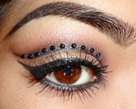 Image result for TRIBAL LOOKING EYE MAKEUP