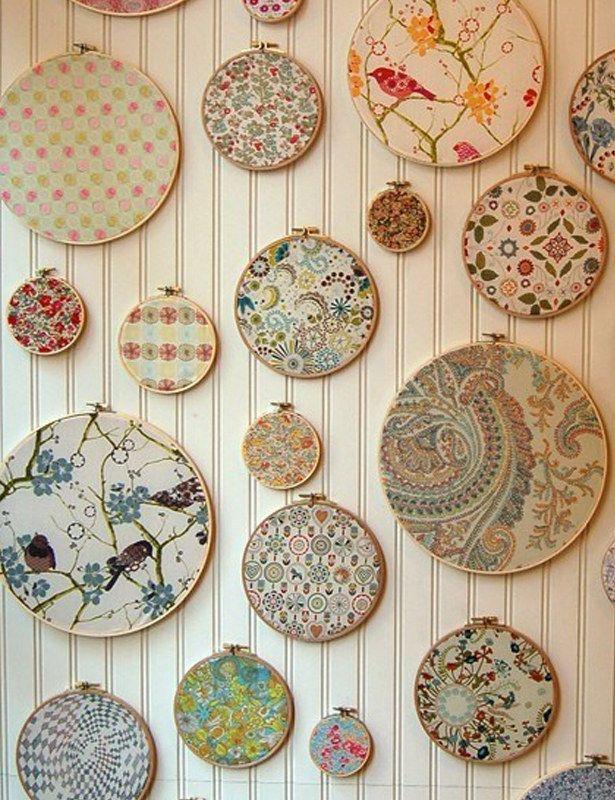 Parede de bordados. | Community Post: 30 formas incríveis de decorar suas paredes sem gastar quase nada