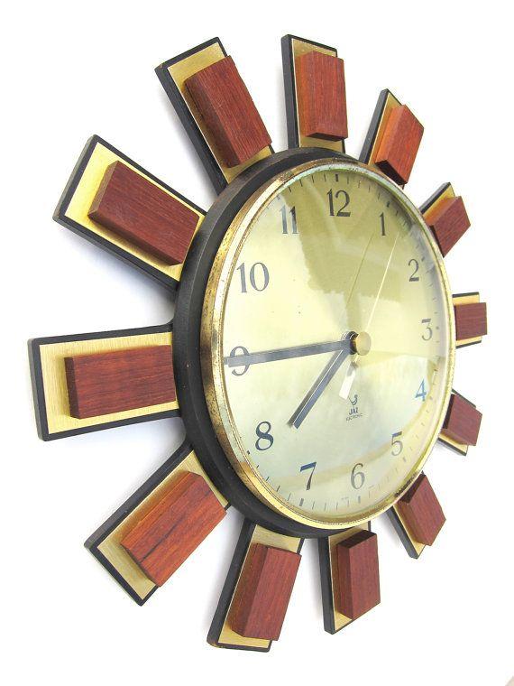 French vintage wall clock; Mid Century Sunburst clock; Atomic era working wall clock; Space age Jaz clock