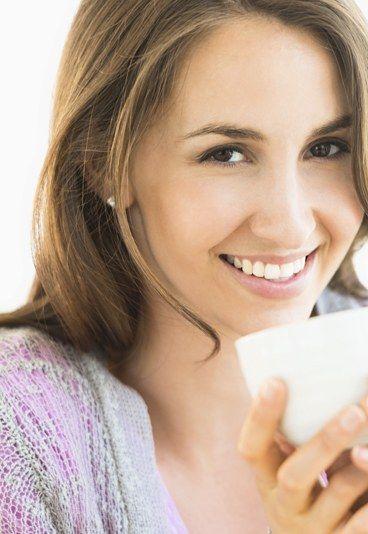Tipp Nr. 5: Den ganzen Körper in den Blick nehmen - 5 Tipps, die die Haut ins Reine bringen - Die Ursachen für Spätakne sind nur mit kosmetischen Mitteln schwer in den Griff zu kriegen. Stöcklein rät darum, bei einer Akne-Therapie immer den gesamten Körper in den Blick zu nehmen...